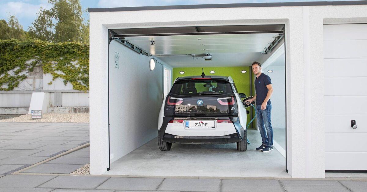 Deutsche Orgie in der Auto Garage